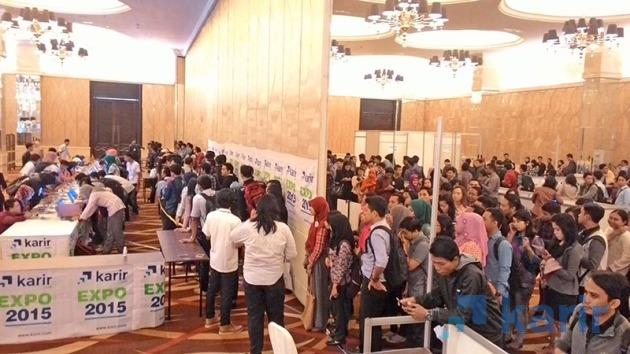 Pencari Karir padati Karir.com Expo di Gd. ICBC Center, Surabaya, Selasa (28/7/2015). (Karir.com)