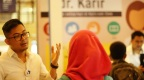 Di Bandung, dr. Karir Ramai Pengunjung