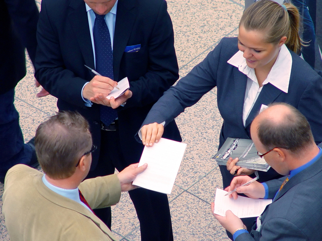 business-meeting-1239191-640x480