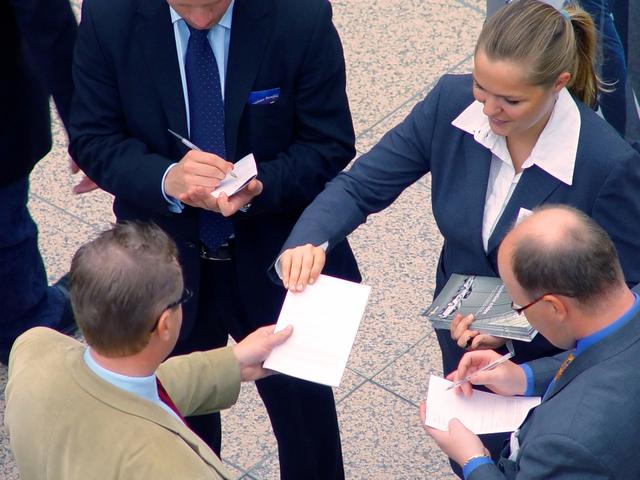 business-meeting-1239191-640x480