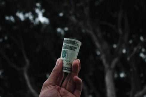 gaji yang tidak sepadan.jpg