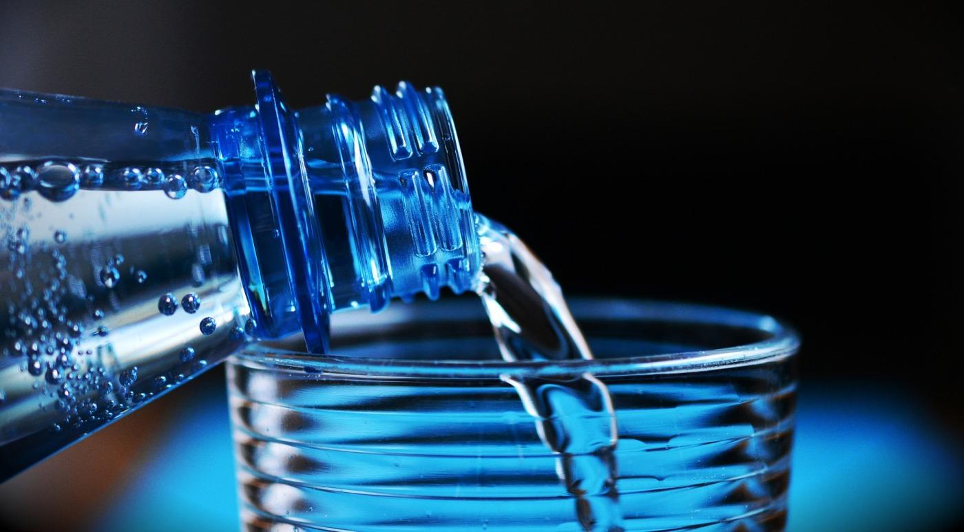 Konsumsi air mineral.jpg