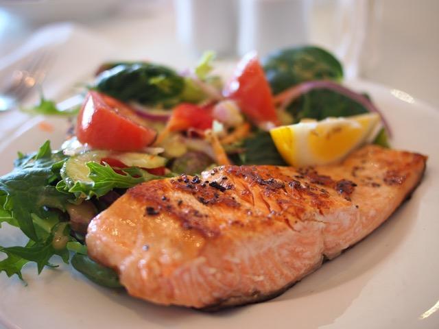 Perhatikan makanan yang dikonsumsi saat sahur dan berbuka puasa.jpeg