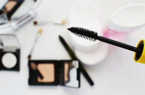 Eyeliner dan mascara cocok digunakan