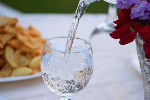 Konsumsi air putih.jpg