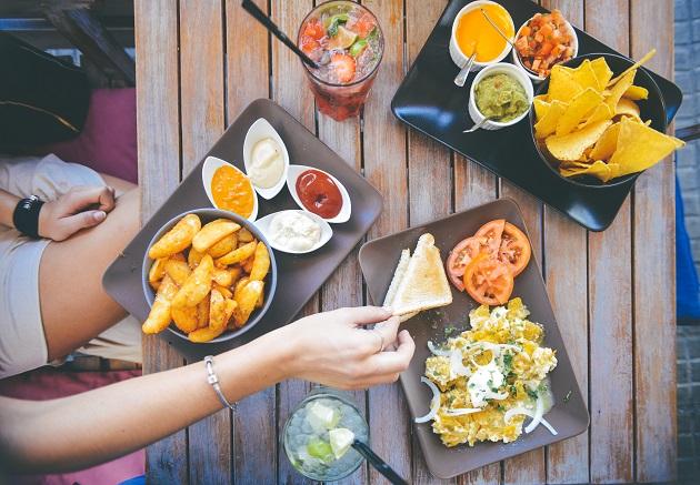 Usahakan makan siang dengan porsi secukupnya, jangan berlebihan yaa..